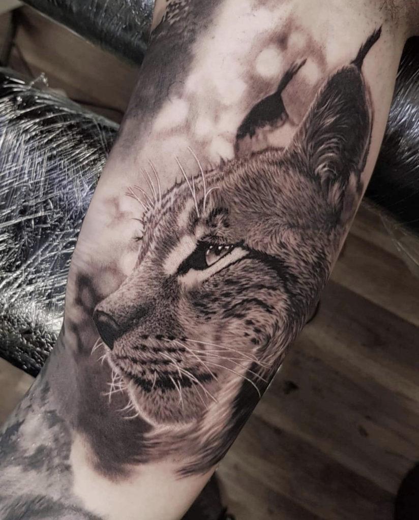 realistic lynx tattoo